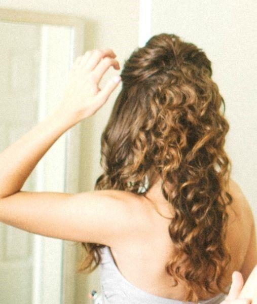 20 Peinados Para Novias Con El Pelo Rizado