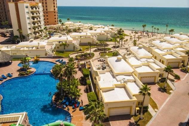 Las Palmas Beachfront Resort