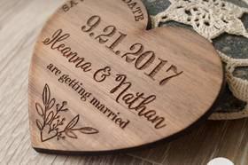 Invitación de boda en madera