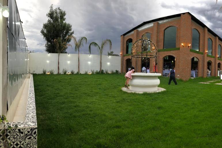 Mandala Salón & Jardín
