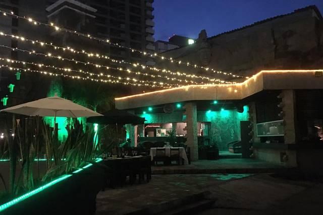 Grilling Sessions Restaurant Bar & Casa Club