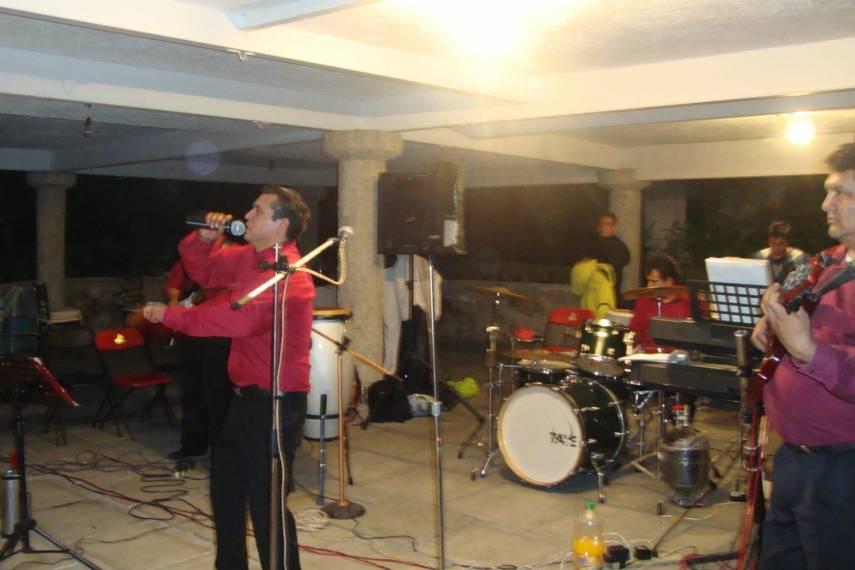 Grupo Versátil Aura