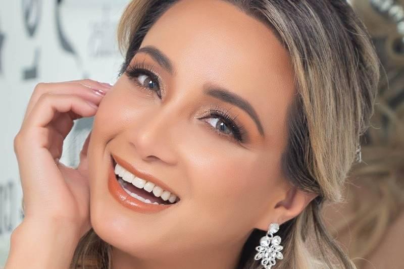 Verónica Maldonado Maquillaje y Peinado