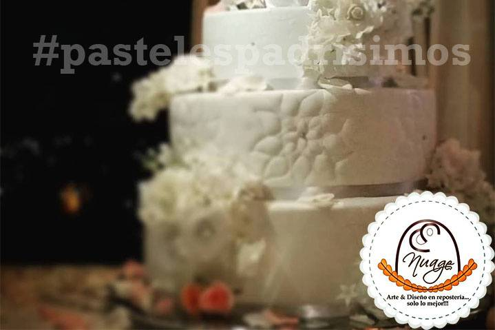 Pastel boda flores blancas