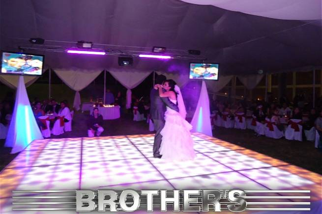 Luz y sonido Brother's
