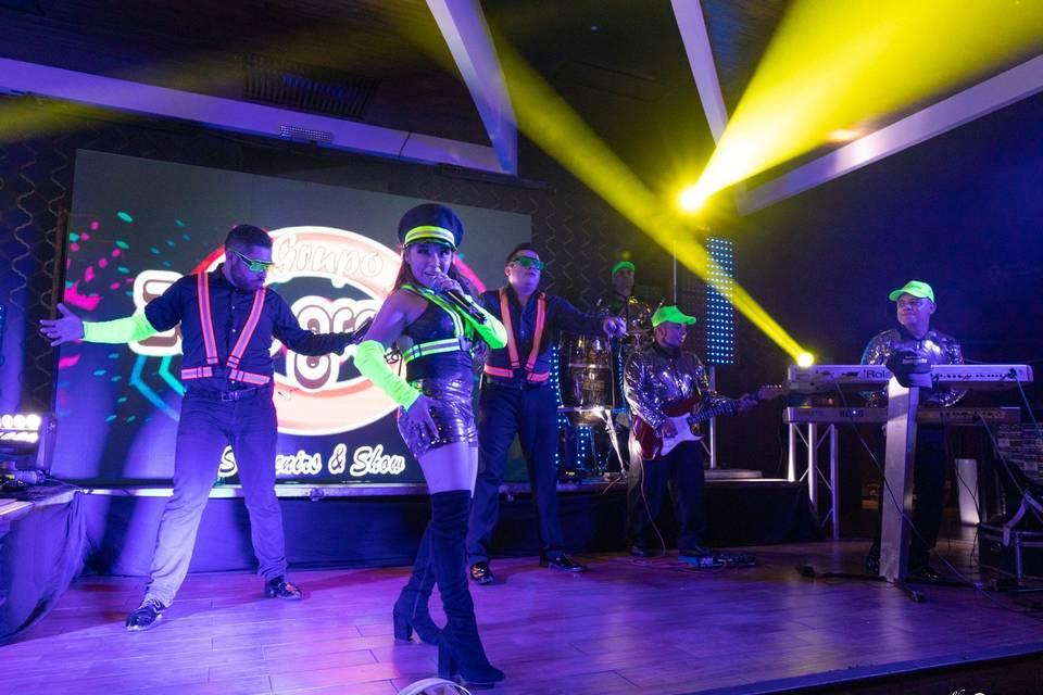 Neon escenario