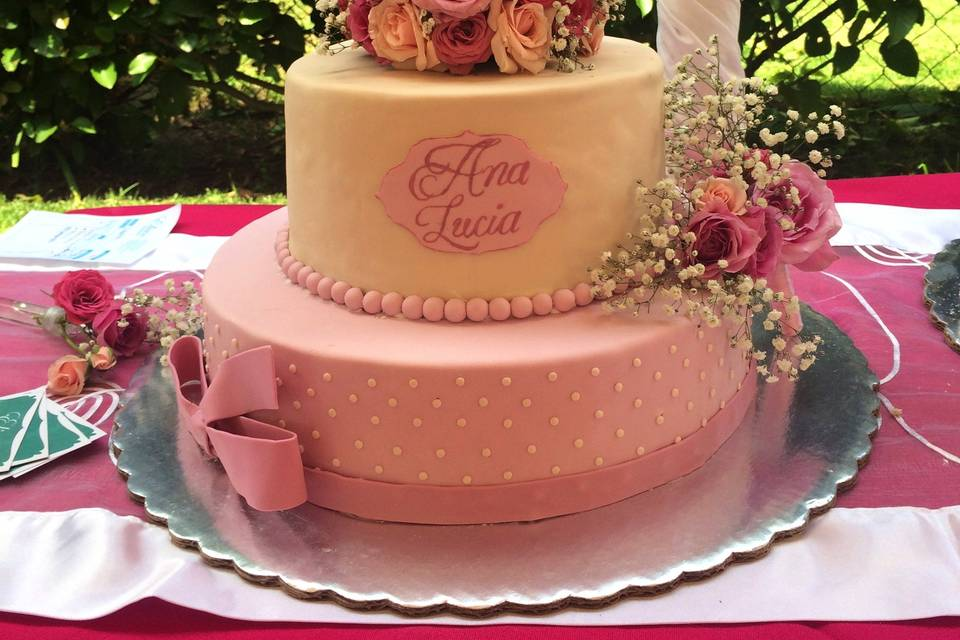 Pastel diseño floral