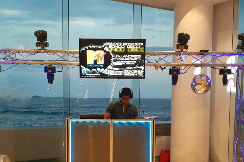 DJ Andrés