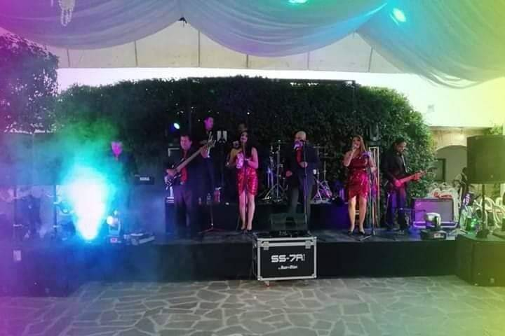 Grupo Versátil Barra Libre
