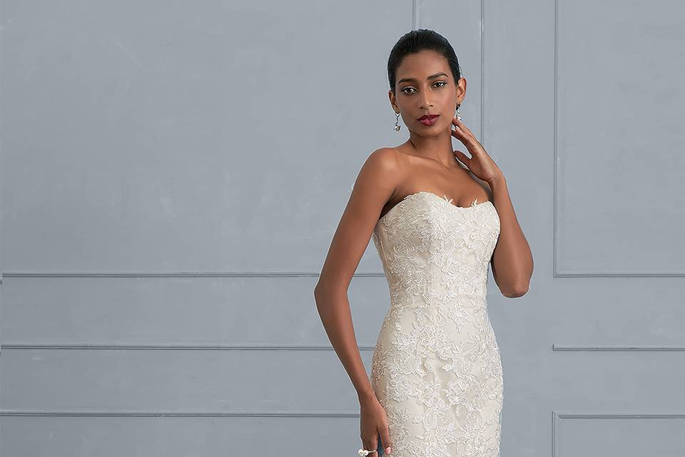 Carola Wedding & Evening Dresses