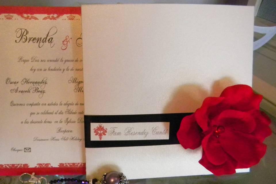 Invitación con flor roja