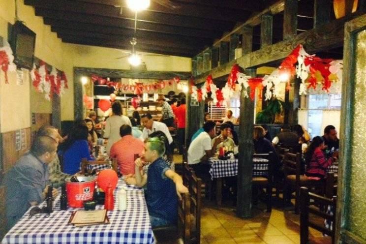 Los Primos Restaurante