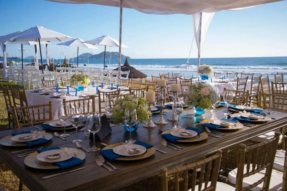 Mesas en playa