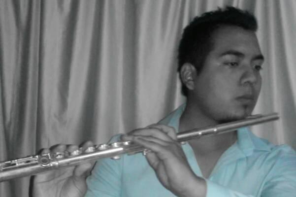 Músico Dante Fernando