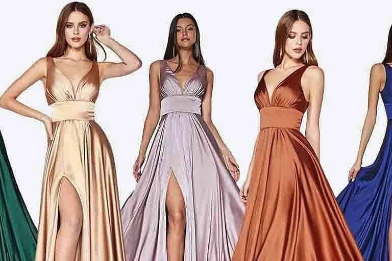 Vestidos Damas de Honor Modela Bella
