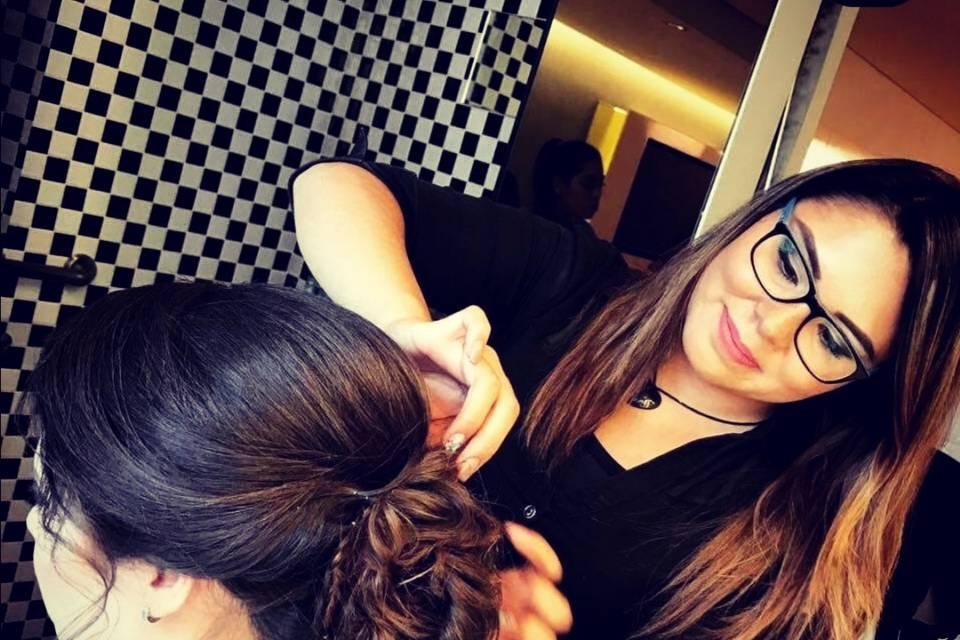 Elizabeth Viloria Makeup & Hairstyle