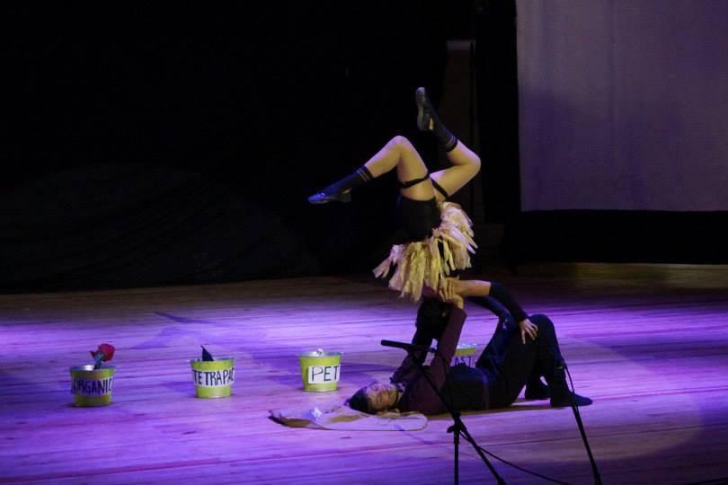 Maník Circo Teatral