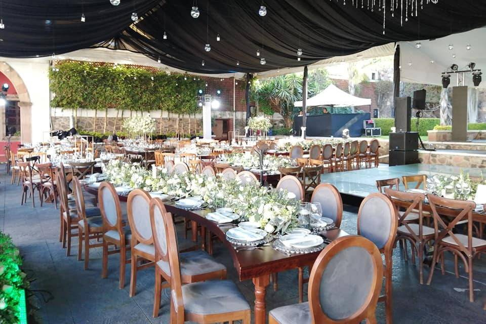 Cynthia Sierra Wedding & Event Planner