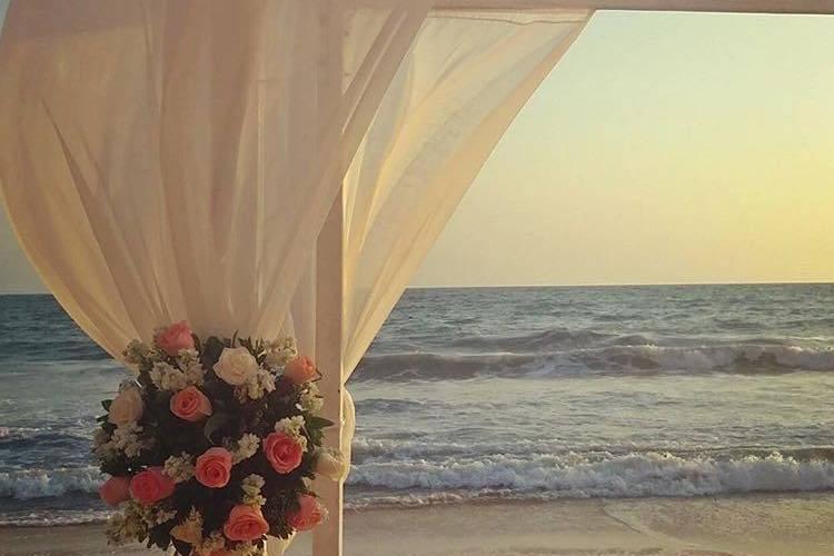 El mar como fondo para la boda