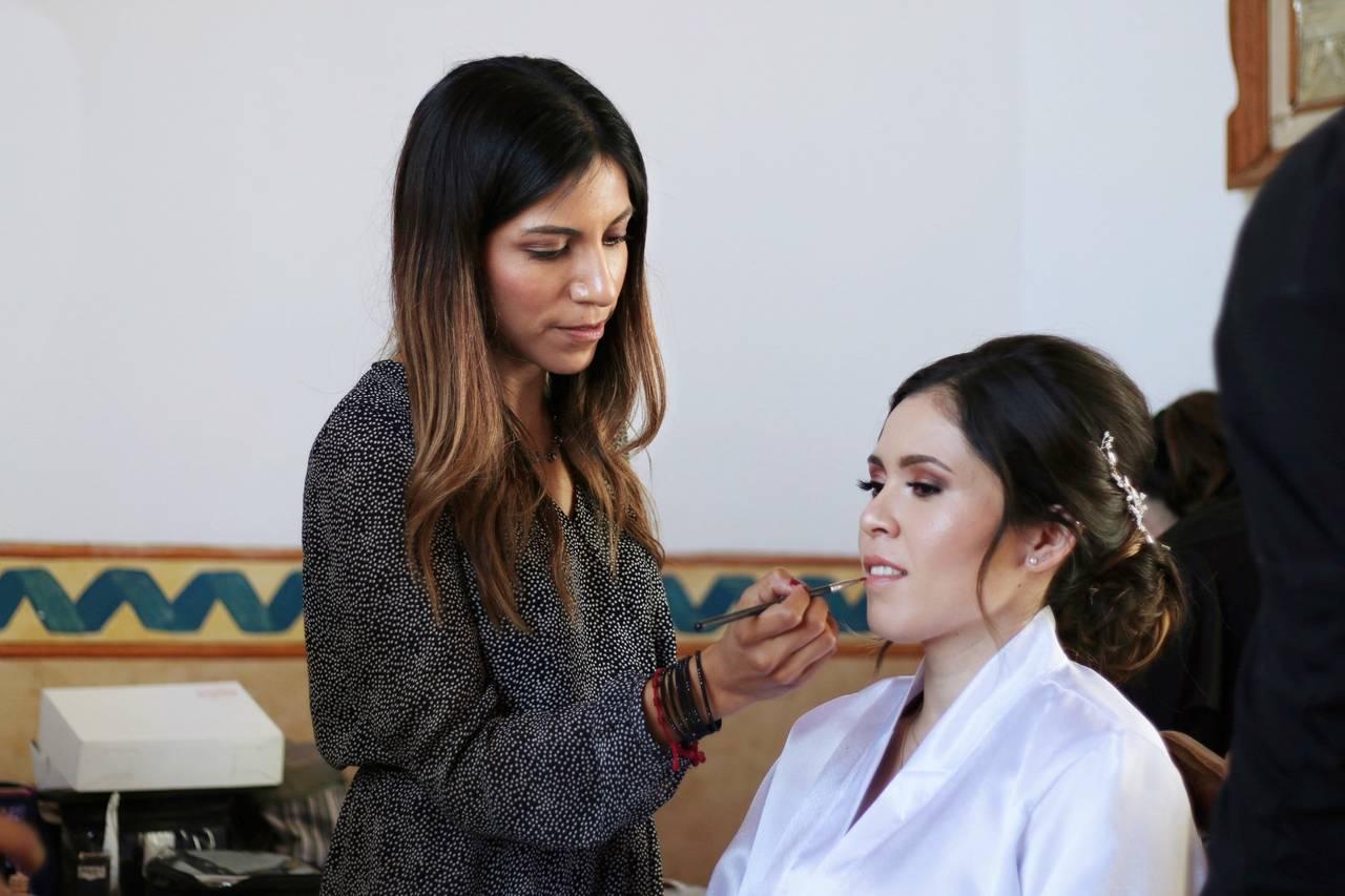 Angie Mendoza Bridal