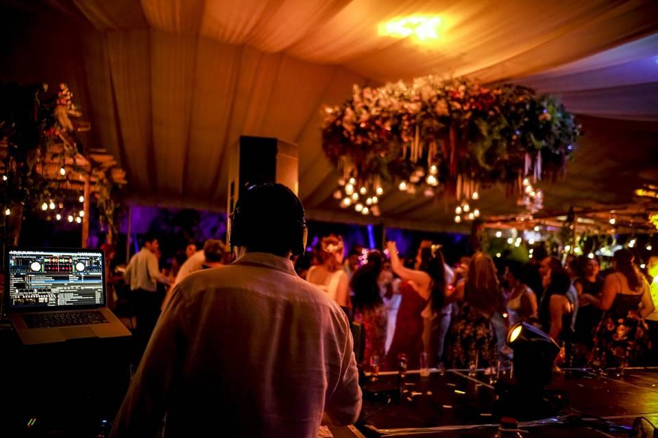 DJ Ro Esquivel