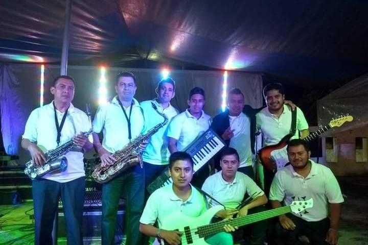 Grupo Musical Bandolero