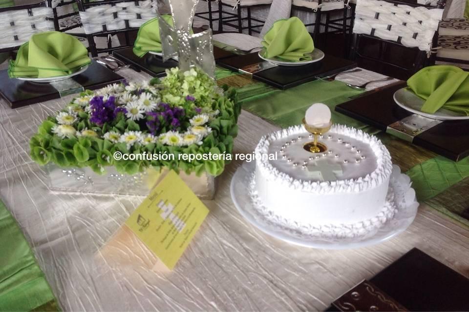 Pastel al centro de mesa