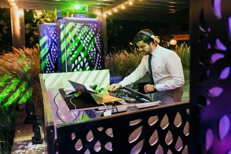 El DJ