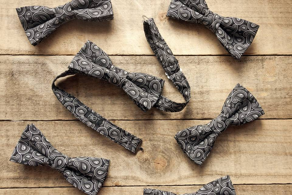Riøt bow ties